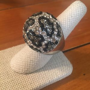 Jewelry - Bold statement cocktail ring.